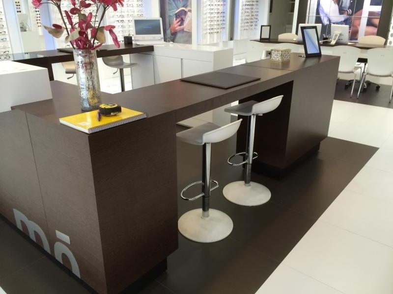 Montaje de mobiliario centro comercial