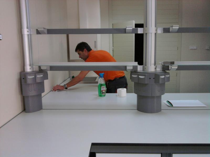 montaje de mesas de laboratorio montajes m3