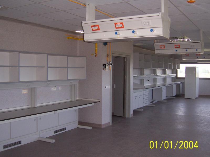 montaje de mobiliario en biologia montajes m3