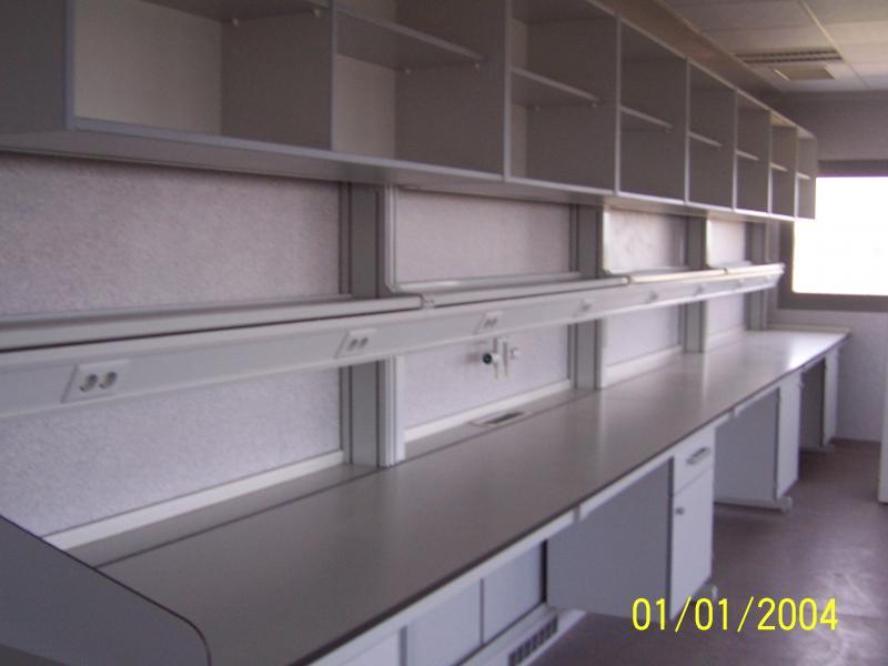 montaje de puestos de trabajo en laboratorios montajes m3