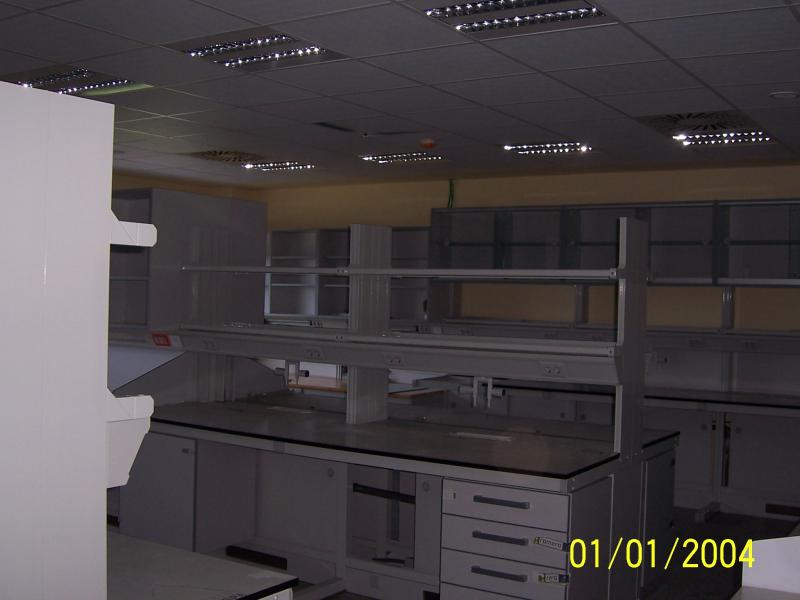 montaje de estanterias en laboratorios  montajes m3