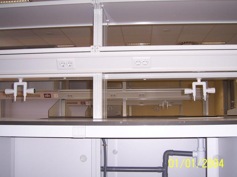 montaje de muebles y fontaneria en laboratorios montajes m3