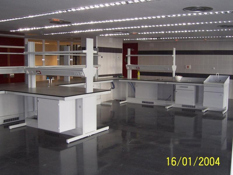 desmontaje de mobiliario de laboratorio montajes m3