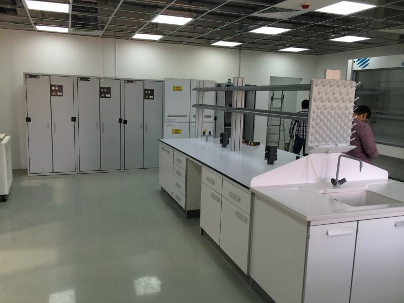 montaje de armarios de seguridad en laboratorios montajes m3